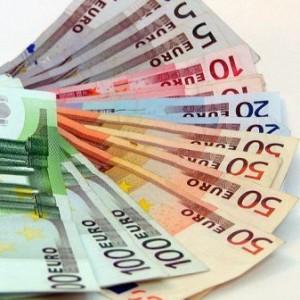 Een gemiddelde bruiloft kost ongeveer  € 10.000,00 tot € 15.000,00.