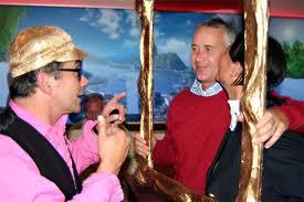 Leuk acts tijdens de feestavond, bijvoorbeeld paparazzi die de gasten op de foto zet