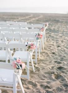 wit klapstoeltje met roze deco